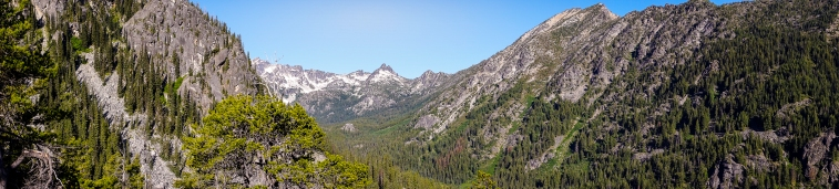 Heading up to Colchuck Lake.